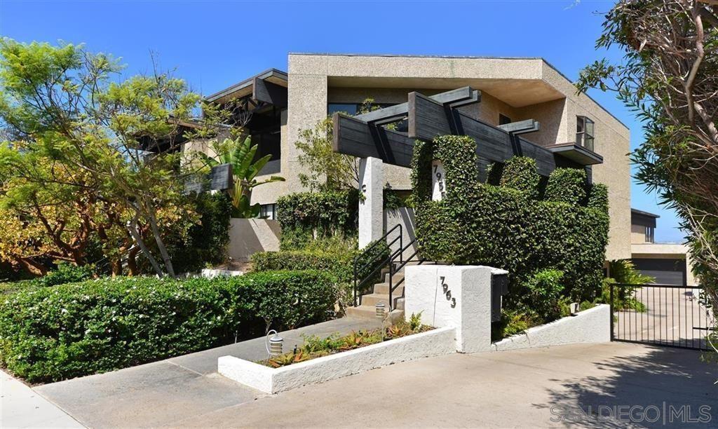 Main Photo: LA JOLLA Townhouse for rent : 3 bedrooms : 7955 Prospect Place #C