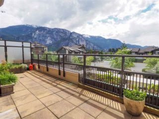 """Photo 3: 218 1211 VILLAGE GREEN Way in Squamish: Downtown SQ Condo for sale in """"Rockcliff"""" : MLS®# R2456399"""