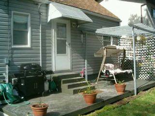 Photo 2: 570 COTE Street in Winnipeg: St Boniface Single Family Detached for sale (South East Winnipeg)  : MLS®# 2510129