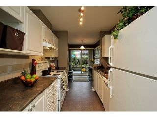 """Photo 10: 52 65 FOXWOOD Drive in Port Moody: Heritage Mountain Townhouse for sale in """"FOREST HILL"""" : MLS®# V1055852"""