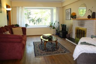 Photo 6: 2792 MCGILL Street in Vancouver: Hastings East House for sale (Vancouver East)  : MLS®# R2198736