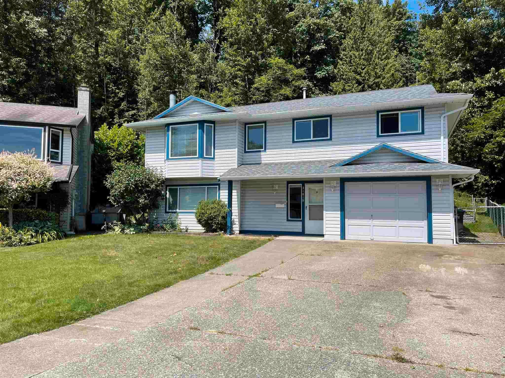 Main Photo: 31819 MAYNE Avenue in Abbotsford: Abbotsford West House for sale : MLS®# R2595643
