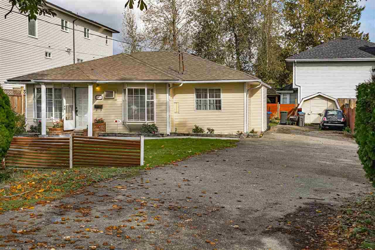 Photo 2: Photos: 309 JOHNSTON Street in New Westminster: Queensborough House for sale : MLS®# R2508021