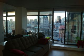 """Photo 5: 1906 108 W CORDOVA Street in Vancouver: Downtown VW Condo for sale in """"WOODWARDS W32"""" (Vancouver West)  : MLS®# R2138869"""