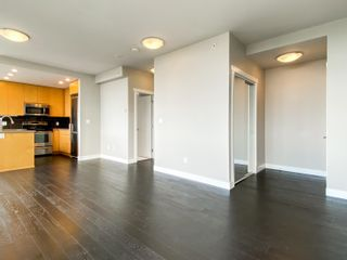 """Photo 10: 1101 9025 HIGHLAND Court in Burnaby: Simon Fraser Univer. Condo for sale in """"Highland House"""" (Burnaby North)  : MLS®# R2625024"""