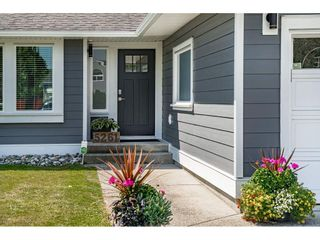 Photo 3: 5261 198 Street in Langley: Langley City House for sale : MLS®# R2485942