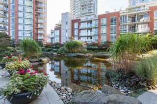 "Photo 10: 703 58 KEEFER Place in Vancouver: Downtown VW Condo for sale in ""FIRENZE"" (Vancouver West)  : MLS®# R2573050"