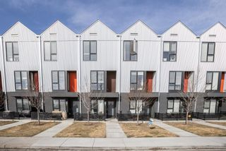 Photo 2: 3529 69 Street NW in Calgary: Bowness Row/Townhouse for sale : MLS®# A1090190