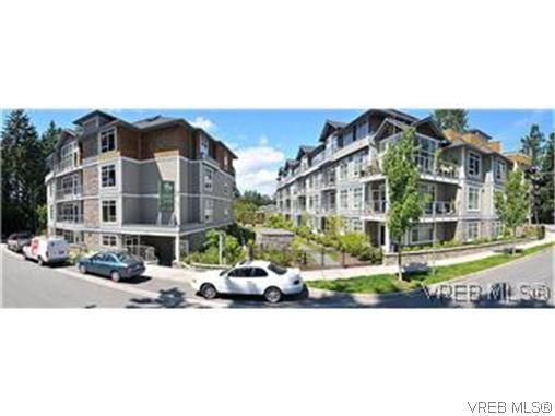 Main Photo: 103 611 Goldstream Ave in VICTORIA: La Fairway Condo for sale (Langford)  : MLS®# 614570