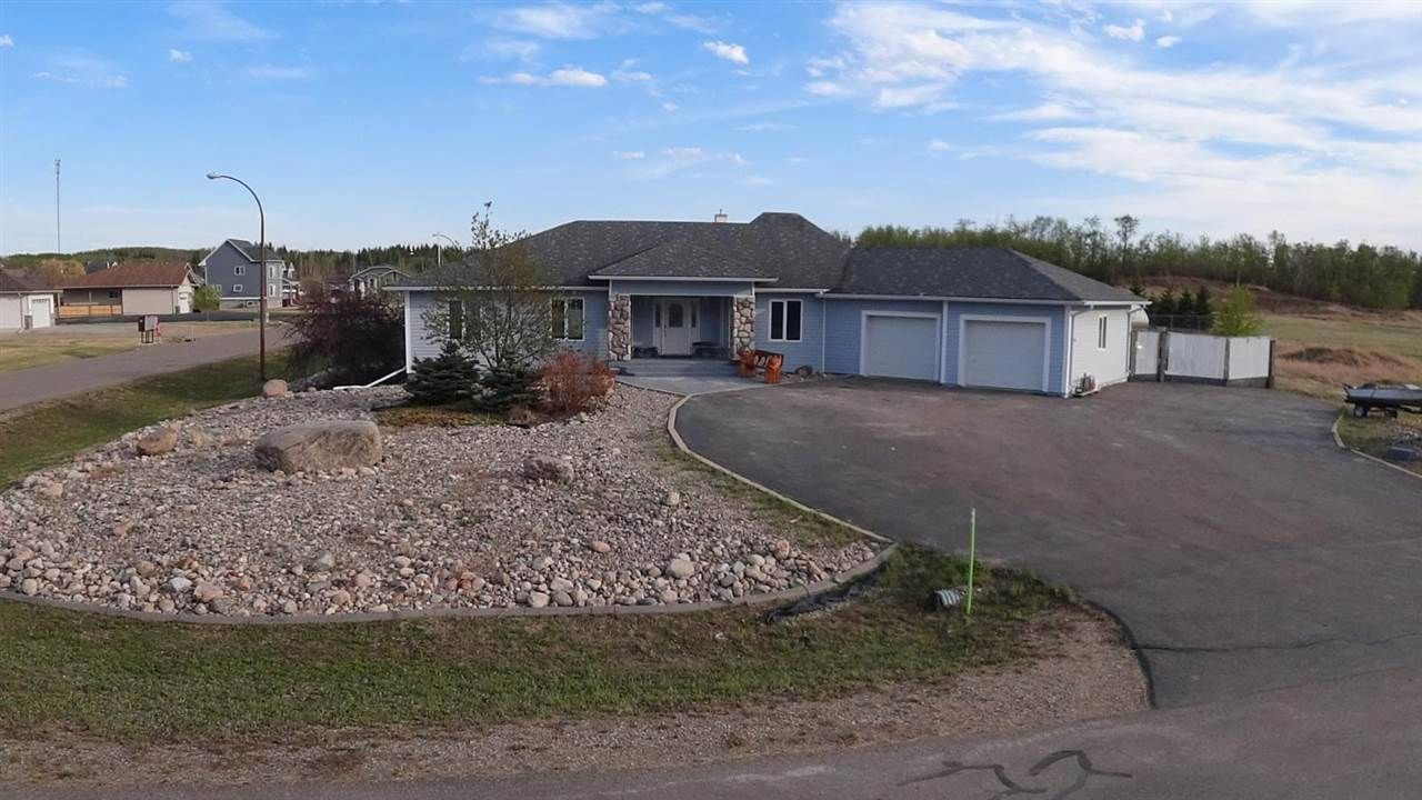 Main Photo: 5201 Red Fox Drive: Cold Lake House for sale : MLS®# E4244888