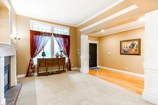 """Photo 4: 10620 CHERRYHILL Court in Surrey: Fraser Heights House for sale in """"Fraser Heights"""" (North Surrey)  : MLS®# R2499587"""