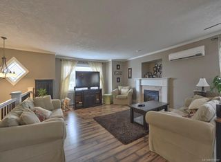 Photo 2: 724 Lavender Ave in : SW Marigold House for sale (Saanich West)  : MLS®# 878697