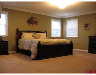 """Photo 8: 21620 93RD Avenue in Langley: Walnut Grove House for sale in """"Redwoods Estates"""" : MLS®# F2707802"""