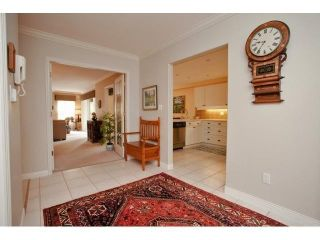 Photo 9: # 402 1725 128TH ST in Surrey: Crescent Bch Ocean Pk. Condo for sale (South Surrey White Rock)  : MLS®# F1441077