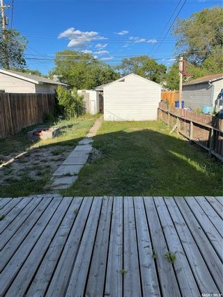 Photo 3: 128 H Avenue North in Saskatoon: Caswell Hill Residential for sale : MLS®# SK859852