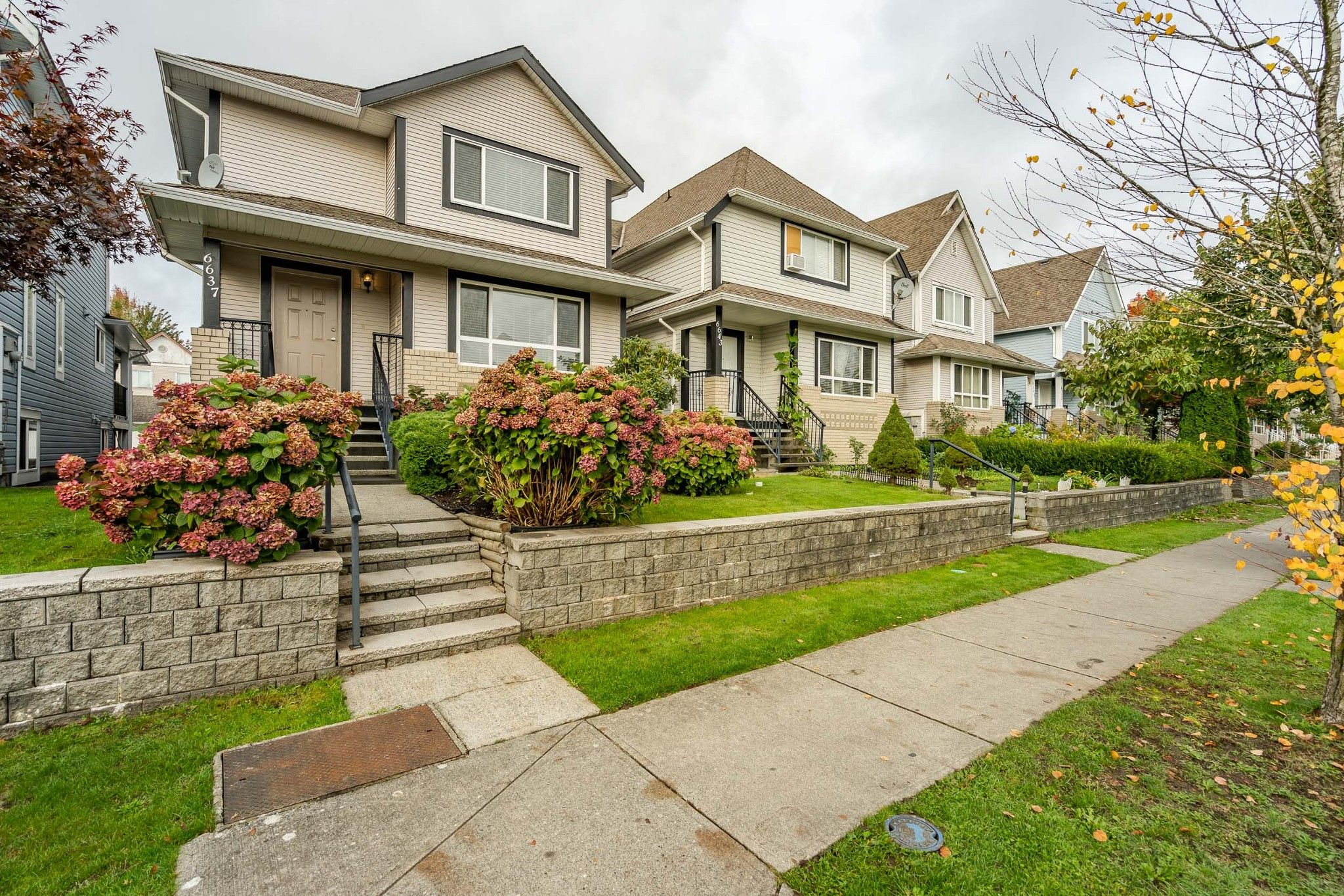 Main Photo: 6637 127 Street in Surrey: West Newton House for sale : MLS®# R2511091