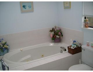 Photo 7: 22996 124B Avenue in Maple_Ridge: East Central House for sale (Maple Ridge)  : MLS®# V689234