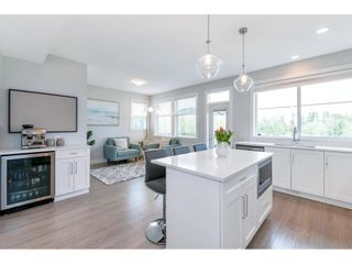 """Photo 14: 17 15717 MOUNTAIN VIEW Drive in Surrey: Grandview Surrey Townhouse for sale in """"Olivia"""" (South Surrey White Rock)  : MLS®# R2572266"""