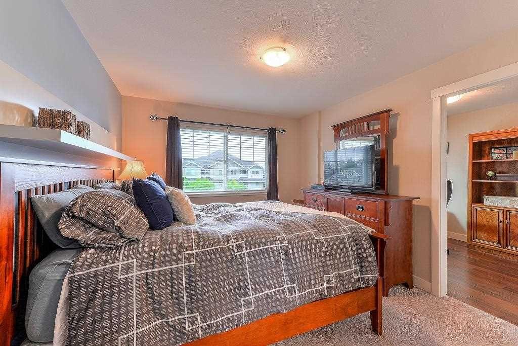 "Photo 11: Photos: 401 19366 65 Avenue in Surrey: Clayton Condo for sale in ""LIBERTY"" (Cloverdale)  : MLS®# R2213841"