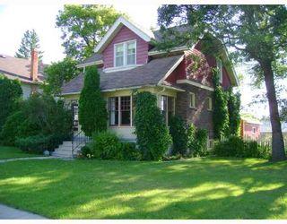 Photo 1: 311 LINWOOD Street in WINNIPEG: St James Residential for sale (West Winnipeg)  : MLS®# 2815598