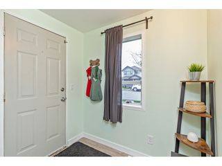 """Photo 5: 34680 2ND Avenue in Abbotsford: Poplar House for sale in """"HUNTINGDON VILLAGE"""" : MLS®# R2528448"""