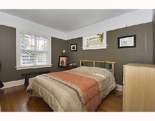 """Photo 6: 2366 CHARLES Street in Vancouver: Grandview VE House for sale in """"COMMERCIAL DRIVE"""" (Vancouver East)  : MLS®# V706768"""