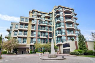 "Photo 2: 207 10 RENAISSANCE Square in New Westminster: Quay Condo for sale in ""MURANO LOFTS"" : MLS®# R2573539"