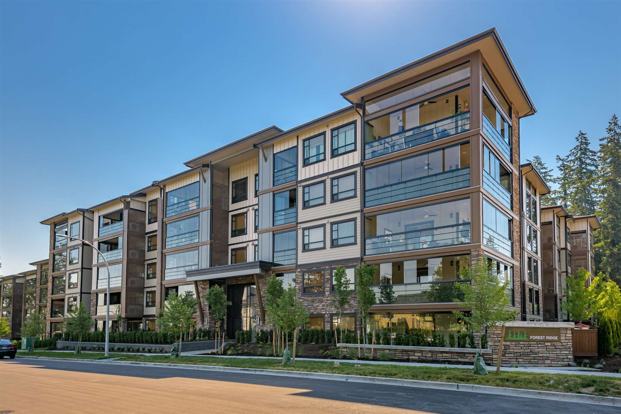 """Main Photo: 306 14588 MCDOUGALL Drive in Surrey: King George Corridor Condo for sale in """"Forest Ridge"""" (South Surrey White Rock)  : MLS®# R2596769"""