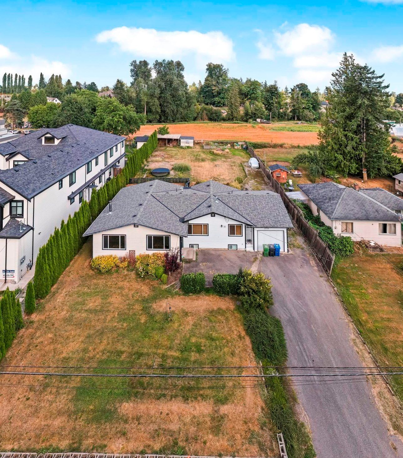 Main Photo: 3114 ROSS Road in Abbotsford: Aberdeen House for sale : MLS®# R2611801