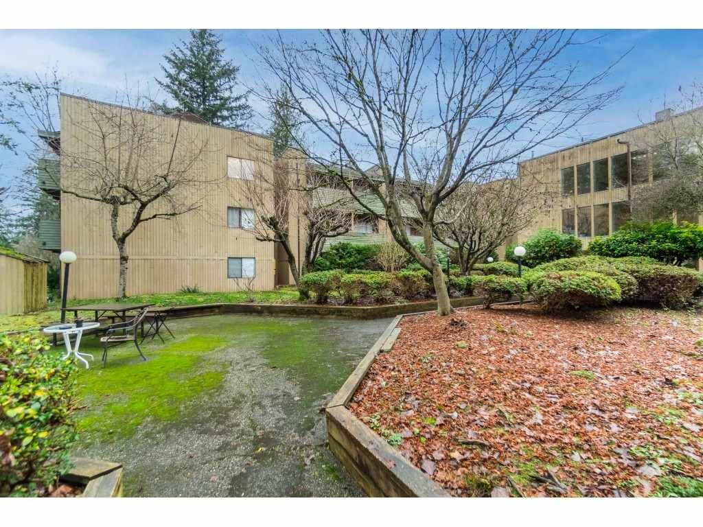 """Photo 33: Photos: 113 33400 BOURQUIN Place in Abbotsford: Central Abbotsford Condo for sale in """"Bakerview Place"""" : MLS®# R2523982"""