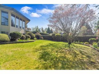 Photo 3: 2350 SENTINEL Drive in Abbotsford: Central Abbotsford House for sale : MLS®# R2573032
