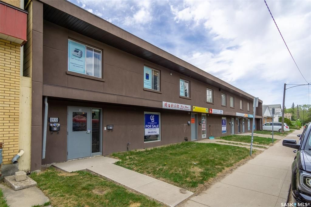 Main Photo: 70 1932 St. George Avenue in Saskatoon: Exhibition Commercial for sale : MLS®# SK855489