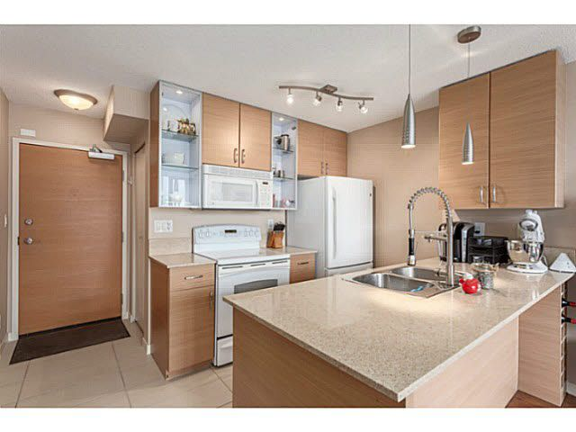 """Main Photo: 2902 928 HOMER Street in Vancouver: Yaletown Condo for sale in """"YALETOWN PARK"""" (Vancouver West)  : MLS®# V1125187"""