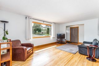Photo 7: 2655 Charlebois Drive NW in Calgary: Charleswood Detached for sale : MLS®# A1133366