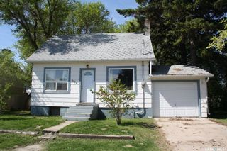 Photo 2: 304 Glasgow Avenue in Saltcoats: Residential for sale : MLS®# SK846318