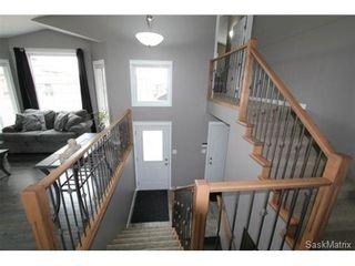 Photo 7: 355 Thode AVENUE in Saskatoon: Willowgrove Single Family Dwelling for sale (Saskatoon Area 01)  : MLS®# 460690