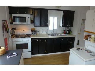 """Photo 4: 112 3300 HORN Street in Abbotsford: Central Abbotsford Manufactured Home for sale in """"Georgia Park"""" : MLS®# F1401893"""
