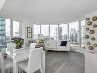 "Main Photo: 1207 233 ROBSON Street in Vancouver: Downtown VW Condo for sale in ""TV TOWERS"" (Vancouver West)  : MLS(r) # R2182035"