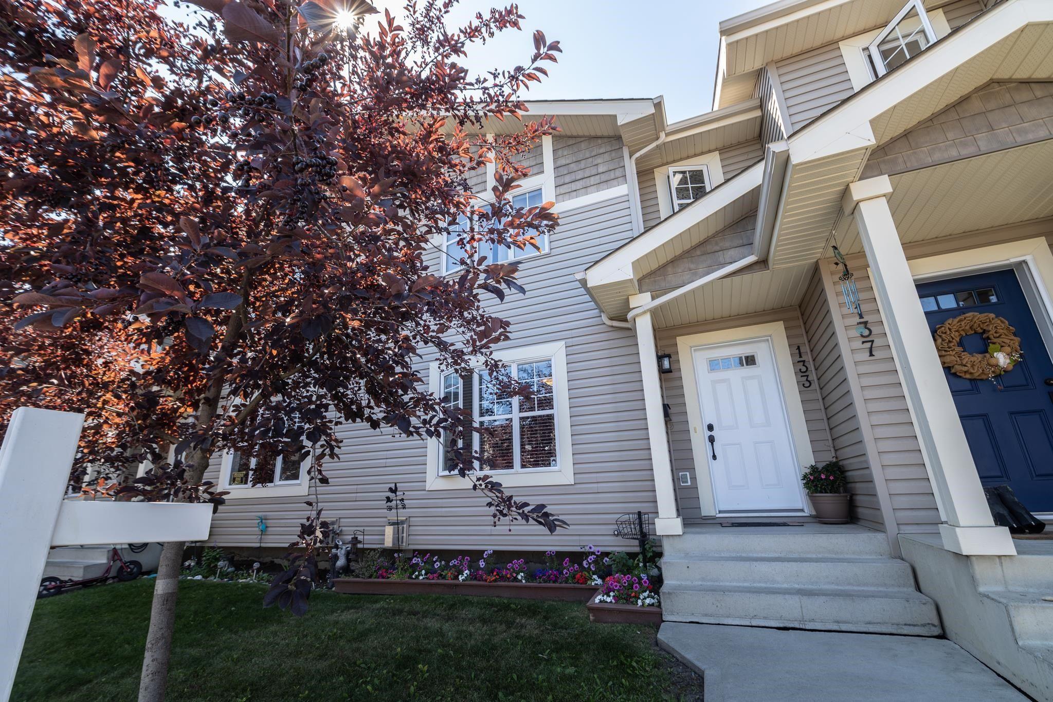 Main Photo: 133 BIRCHWOOD Close: Devon Townhouse for sale : MLS®# E4258828