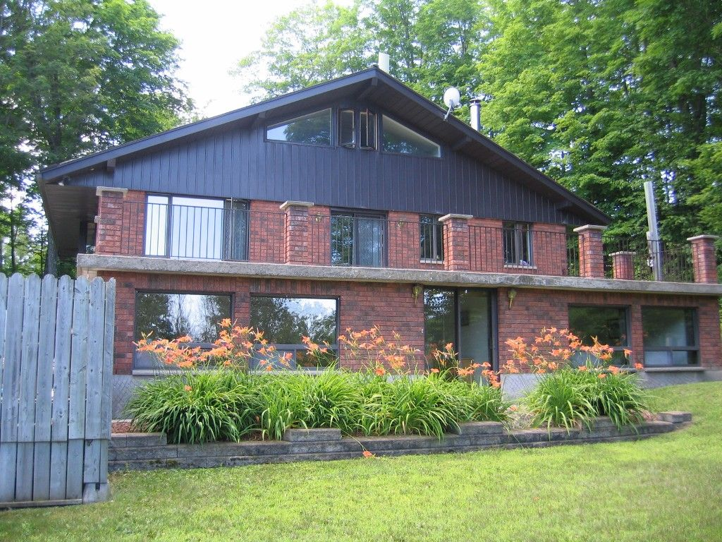 Main Photo: 156 Carbine rd in Pakenham: Mount Pakenham Residential Detached for sale : MLS®# 903377