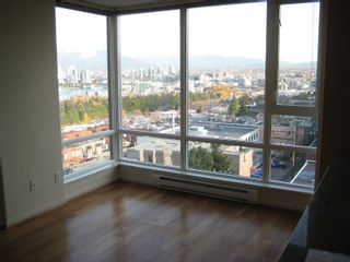 """Photo 6: 803 2483 SPRUCE Street in Vancouver: Fairview VW Condo for sale in """"SKYLINE ON BROADWAY"""" (Vancouver West)  : MLS®# V797426"""