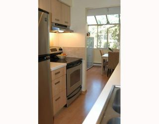 Photo 3: 20 1235 JOHNSON Street in Coquitlam: Canyon Springs Townhouse for sale : MLS®# V768551