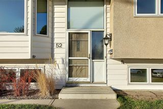 Photo 2: 52 Maple Court Crescent SE in Calgary: Maple Ridge Detached for sale : MLS®# A1092001