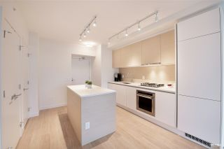 "Photo 9: 2006 657 WHITING Way in Coquitlam: Coquitlam West Condo for sale in ""LOUGHEED HEIGHT 1"" : MLS®# R2517370"