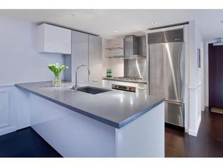 Photo 7: 2304 788 RICHARDS Street in Vancouver West: Downtown VW Home for sale ()  : MLS®# V926163