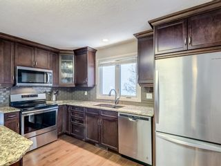 Photo 2: 116 Cedarille Green SW in Calgary: Cedarbrae Detached for sale : MLS®# A1085788