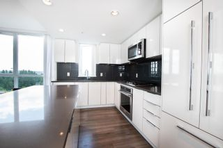 """Photo 6: 1203 3096 WINDSOR Gate in Coquitlam: New Horizons Condo for sale in """"MANTYLA"""" : MLS®# R2603414"""