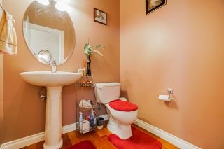 """Photo 5: 6955 196A Street in Langley: Willoughby Heights House for sale in """"Camden Park"""" : MLS®# R2446076"""