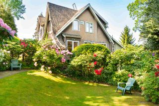 Photo 4: 2588 COURTENAY Street in Vancouver: Point Grey House for sale (Vancouver West)  : MLS®# R2614597