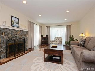 Photo 4: 918 2829 Arbutus Rd in VICTORIA: SE Ten Mile Point Row/Townhouse for sale (Saanich East)  : MLS®# 739157